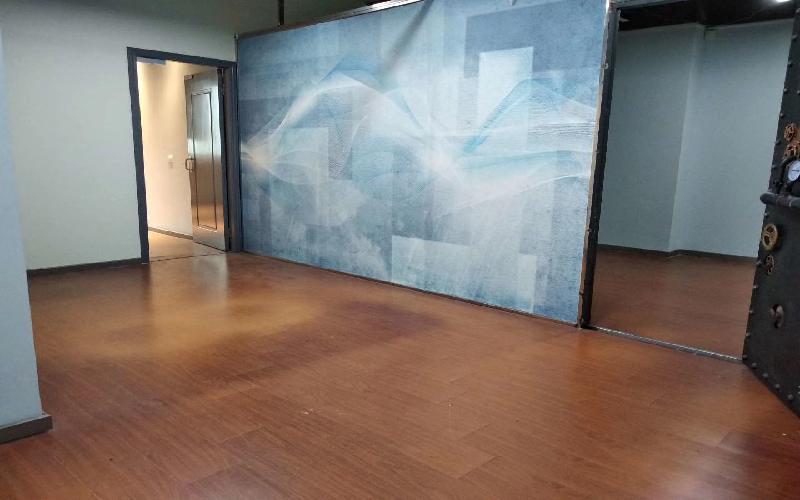 马家龙工业区写字楼出租168平米精装办公室55元/m².月