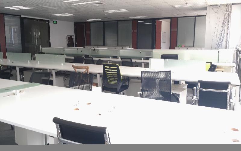 航盛科技大厦 写字楼出租735平米精装办公室88元/m².月