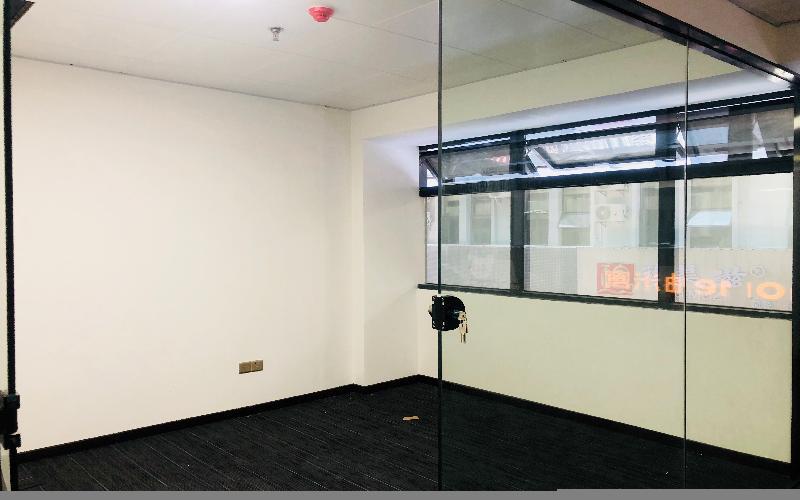青年创业园写字楼出租100平米精装办公室7500元/间.月