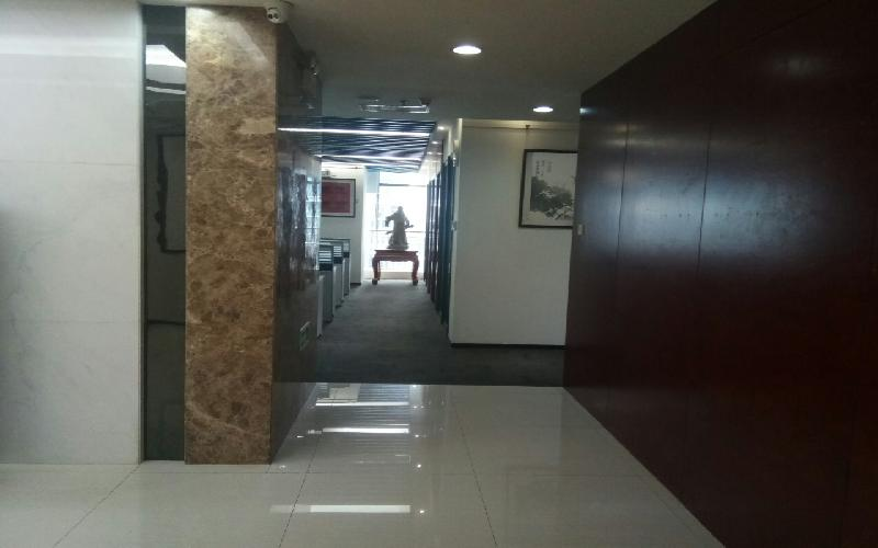 豪威科技大厦写字楼出租1130平米精装办公室125元/m².月