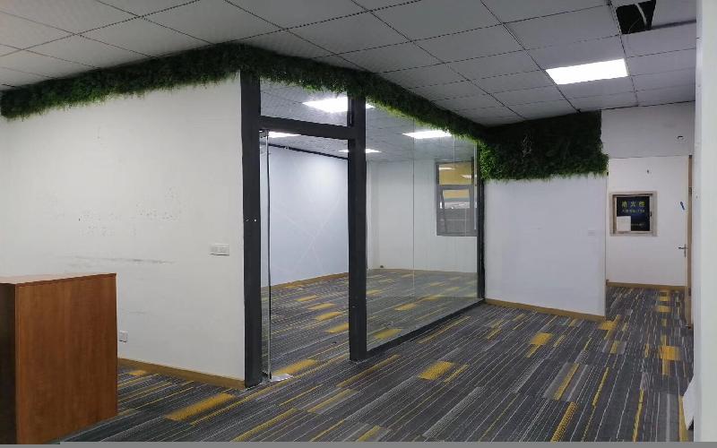创客公馆写字楼出租158平米精装办公室55元/m².月