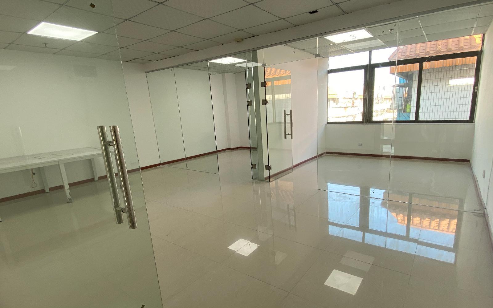 龙华-民治 牛栏前大厦 70m²