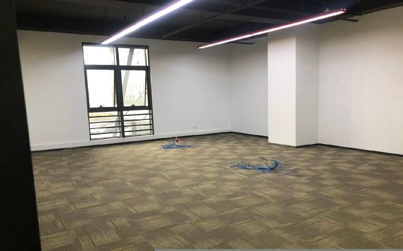 TCL科学园国际E城写字楼出租236平米精装办公室70元/m².月