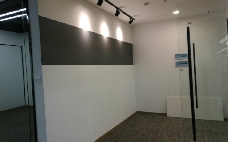 民企科技园写字楼出租318平米精装办公室85元/m².月