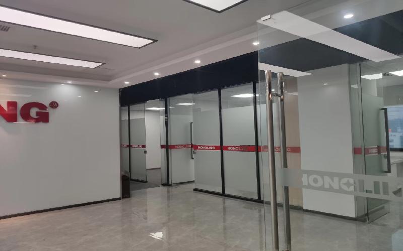 TCL科学园国际E城写字楼出租1680平米简装办公室75元/m².月