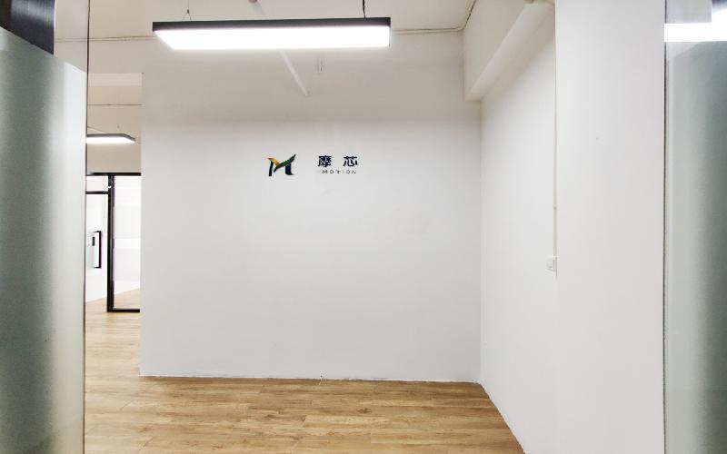 众里创业社区(兴东)写字楼出租253平米精装办公室69元/m².月