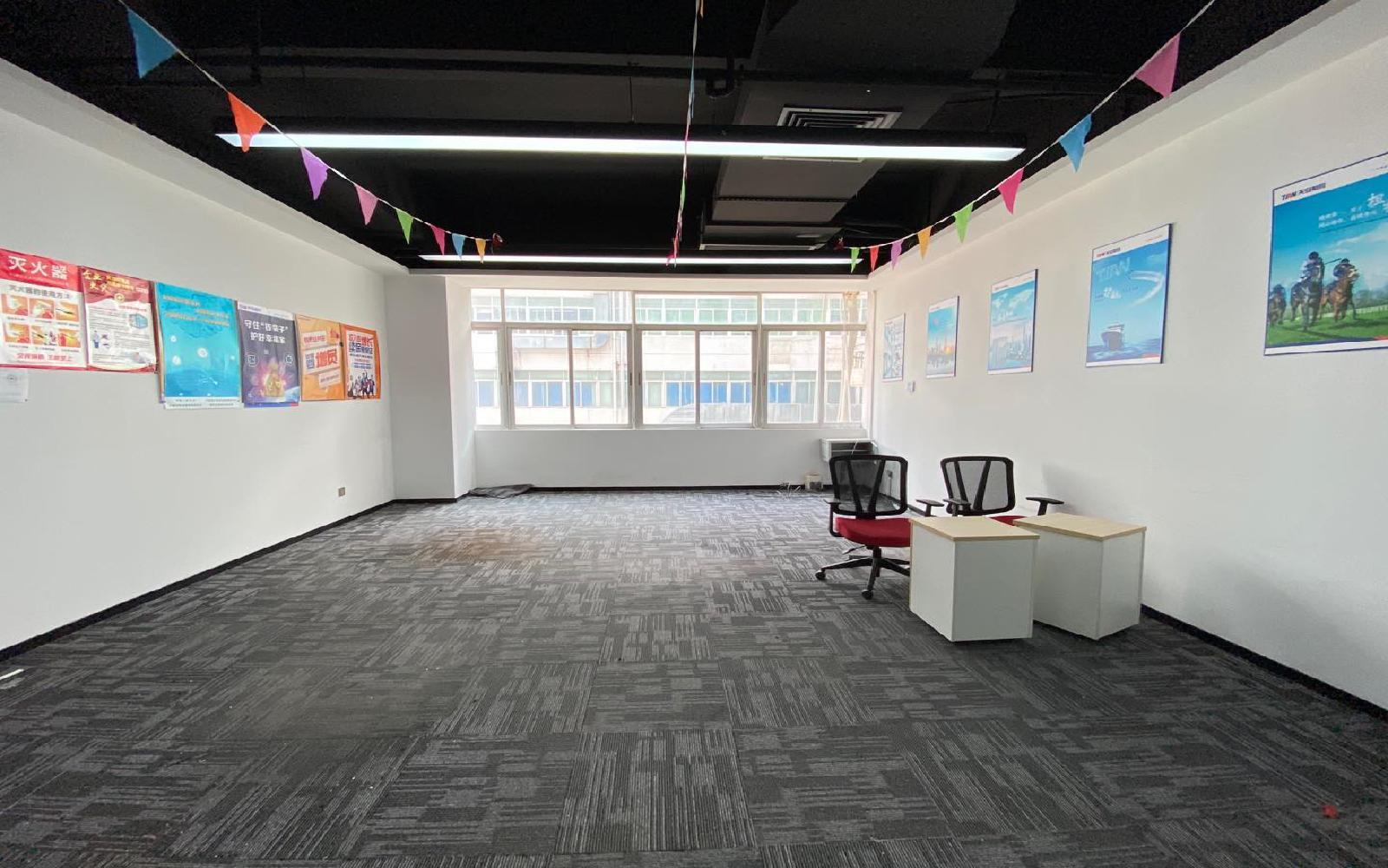 虚拟大学园写字楼出租211平米精装办公室65元/m².月
