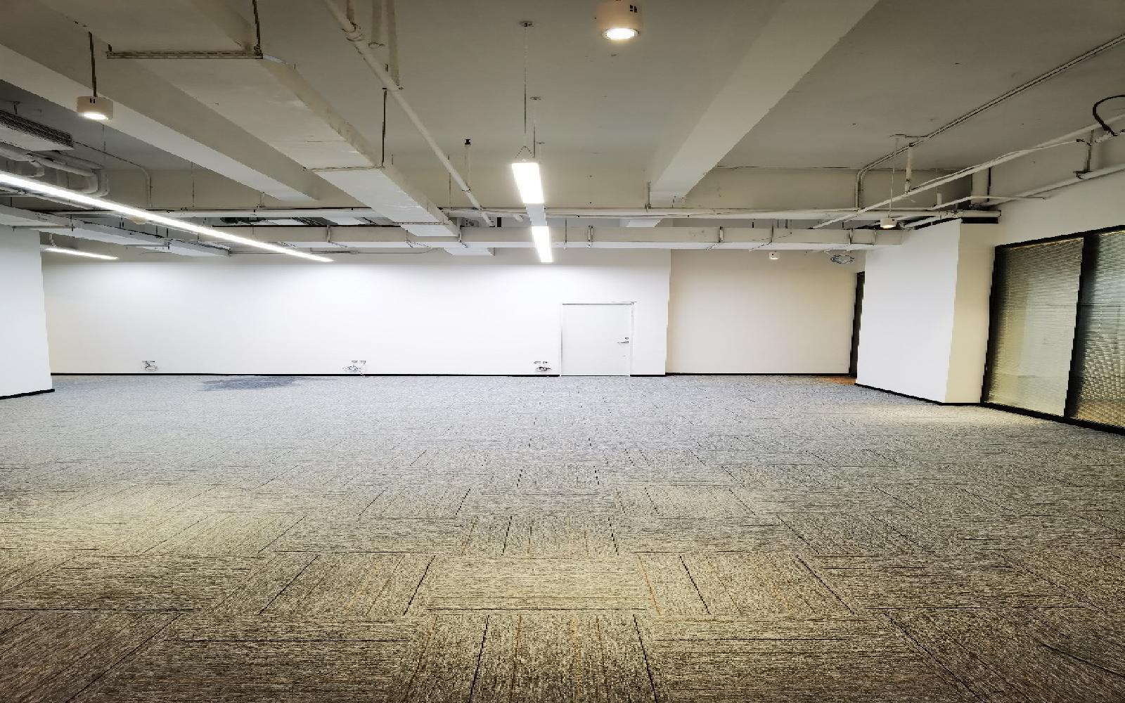 民企科技园写字楼出租466平米精装办公室85元/m².月