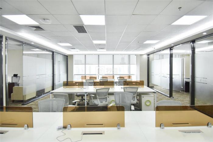 科兴科学园 深大地铁站 458平精装带家私 户型方正