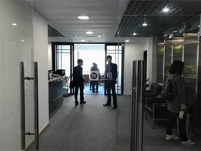 世纪豪庭大厦 福田车公庙 带家私出租 清爽装修方正