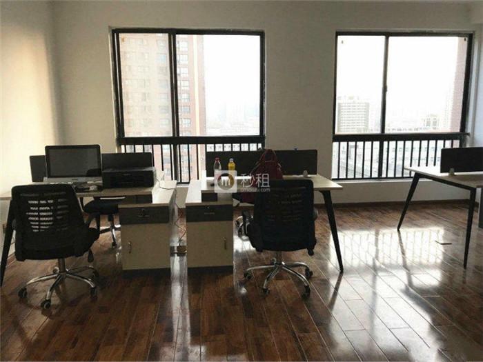数字空间 简约风复式117平精装修 带办公家具 20人间