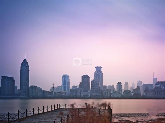新城发展王振华再增持100万股 持股比例增至70.81%