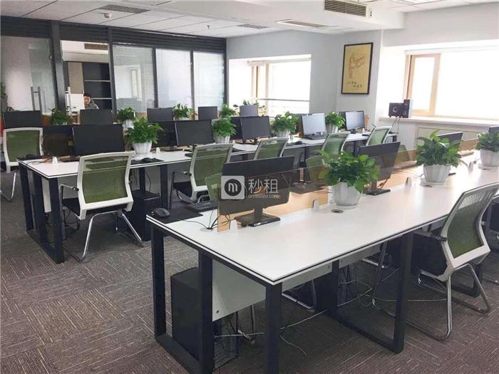 招商东城国际 198平精装带家具 无中间费拎包办公