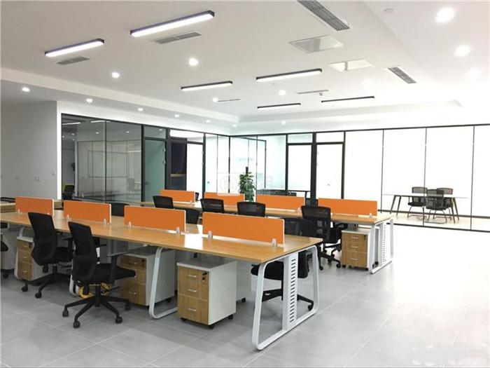 皇庭国际中心  高新区210平精装修 地铁口200米 40人间