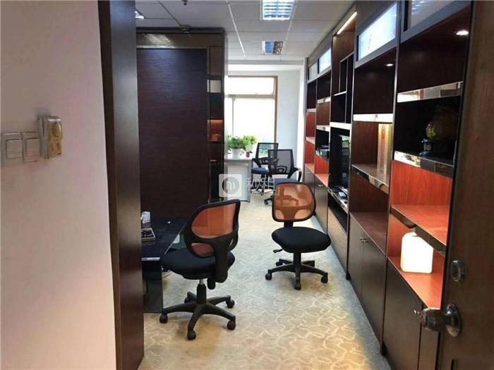 国际文化大厦 68平精装修小户型带家私 户型正交通便利