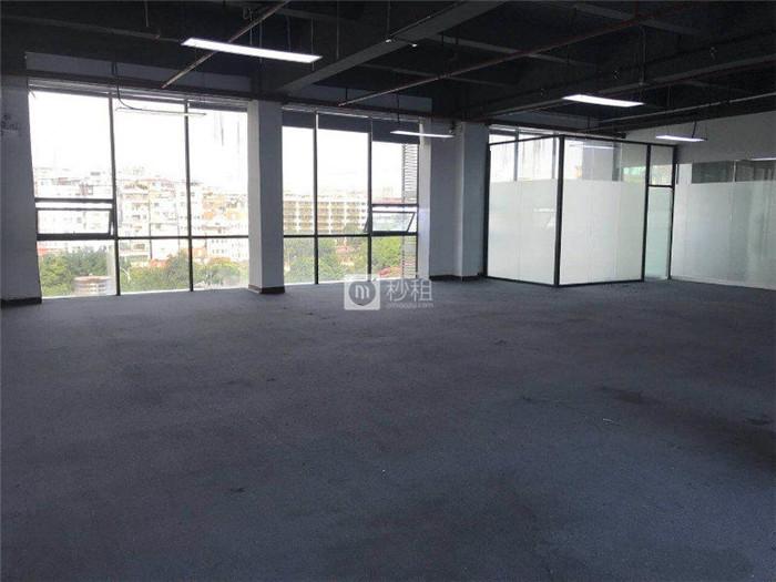 东岳财富广场 科韵路地铁口460平精装修 大开间6+1格局