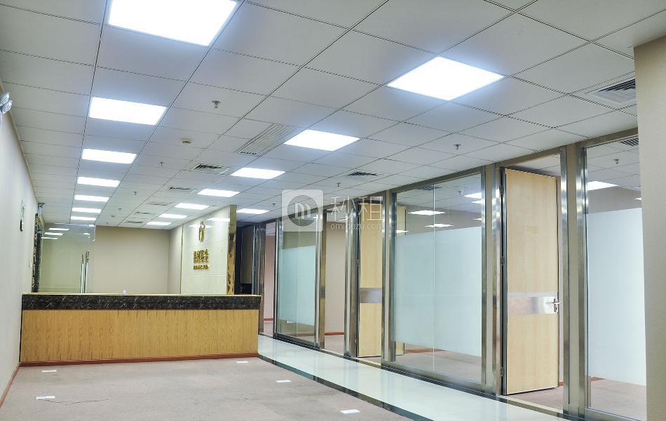 荣超经贸中心写字楼出租278平米精装办公室280元/m².月