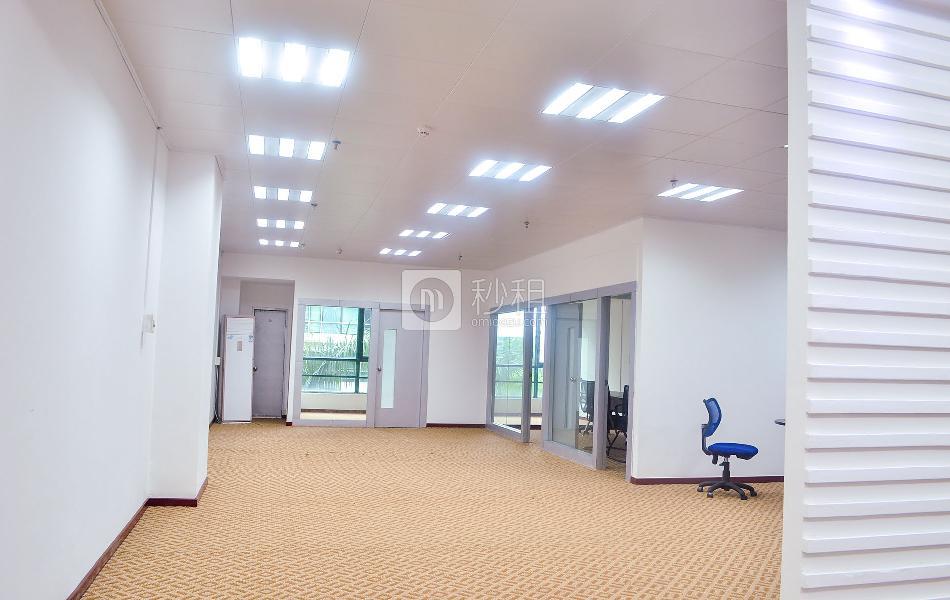 劲松大厦写字楼出租215平米豪装办公室135元/m².月