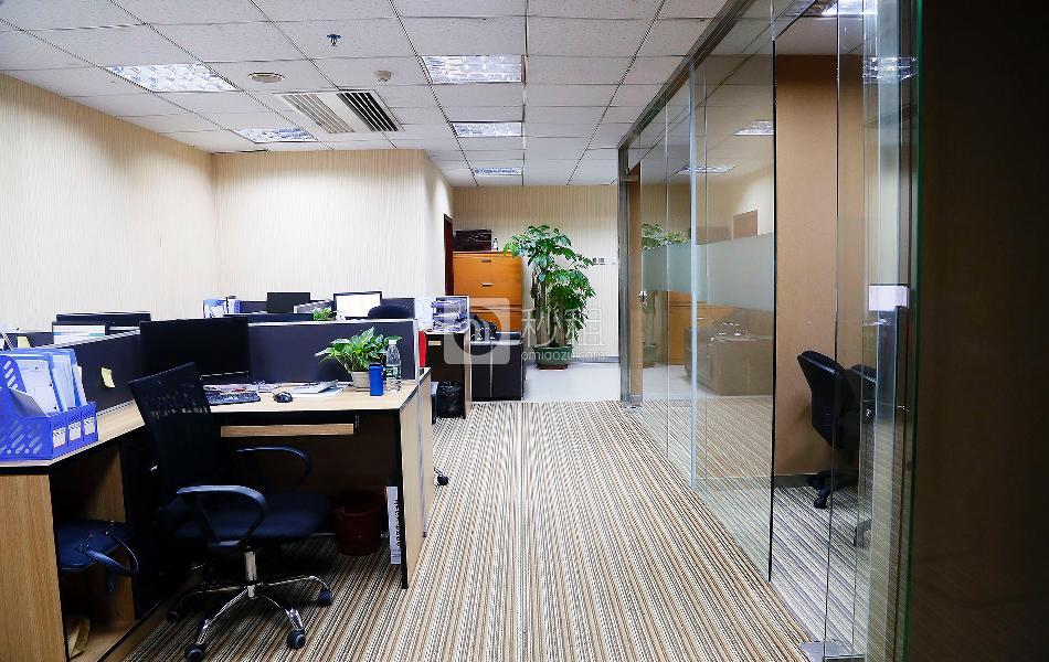 大中华国际交易广场写字楼出租673平米豪装办公室230元/m².月