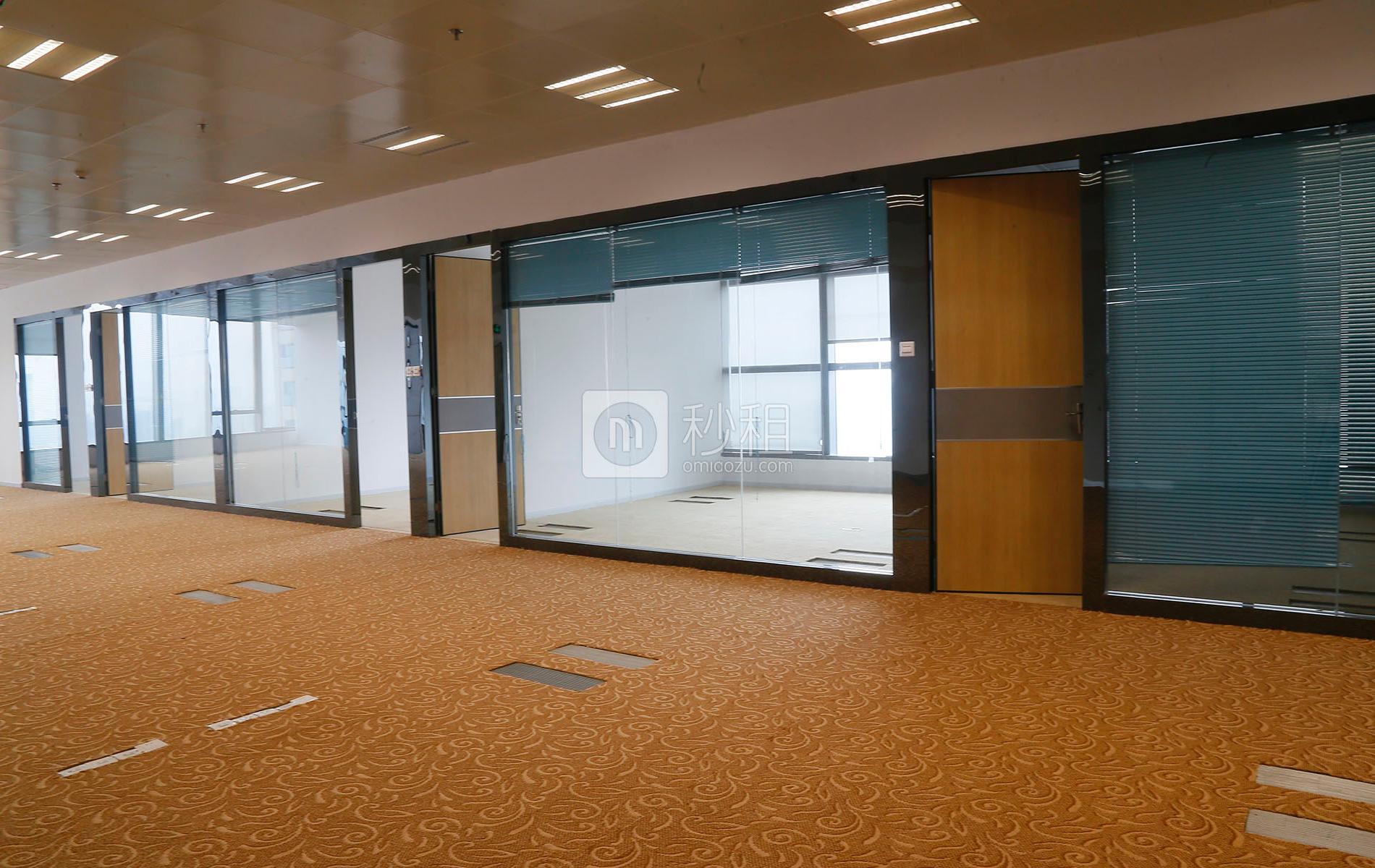 和黄世纪汇广场写字楼出租933平米豪装办公室265元/m².月
