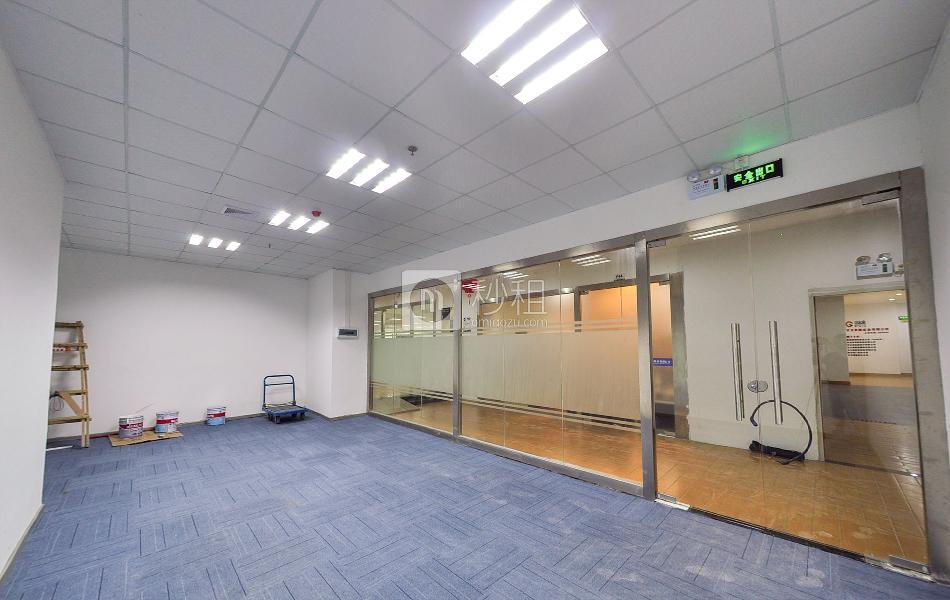 皇城广场写字楼出租209平米简装办公室82元/m².月