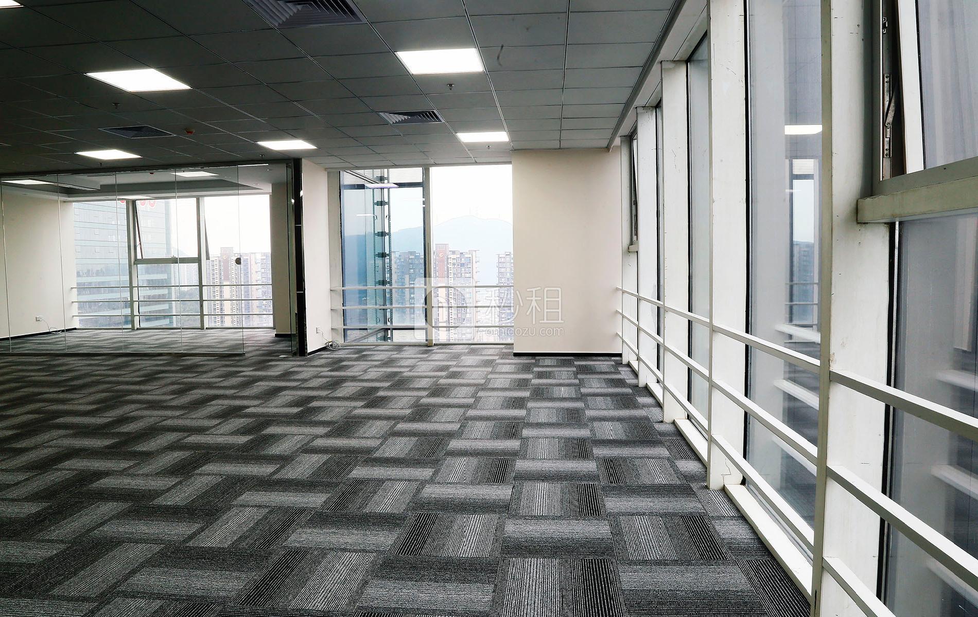 星河WORLD(一期)写字楼出租340平米精装办公室130元/m².月