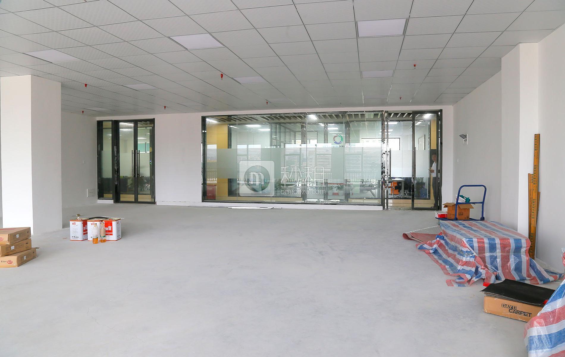 健兴科技大厦写字楼出租306平米精装办公室93元/m².月
