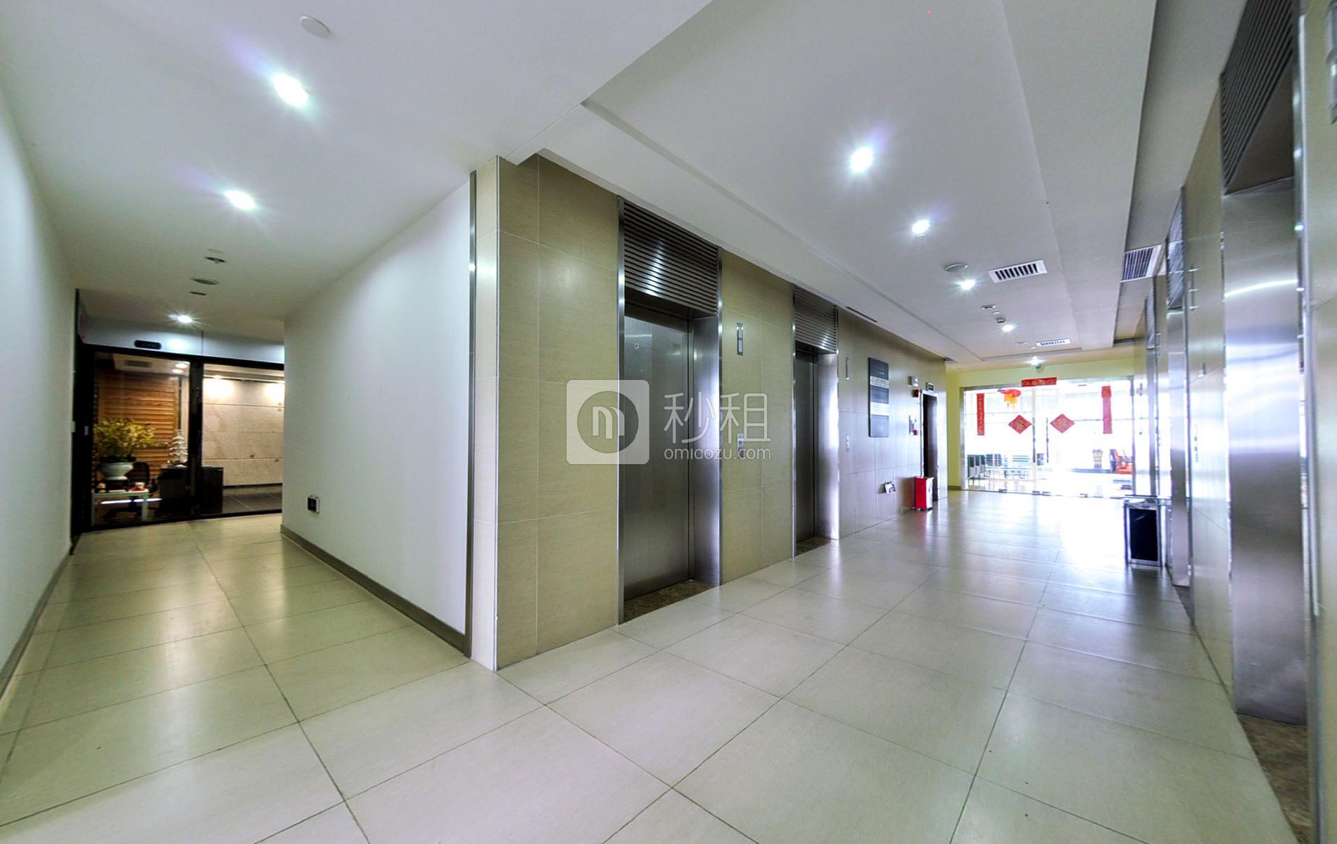 君子广场写字楼出租350平米豪装办公室145元/m².月