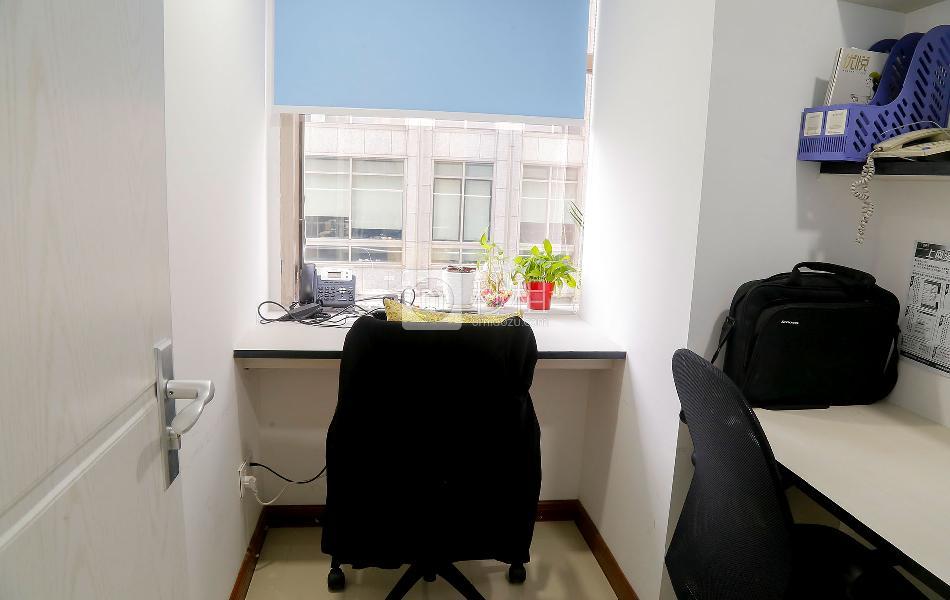 金丰城大厦-创富港写字楼出租9平米精装办公室2200元/间.月