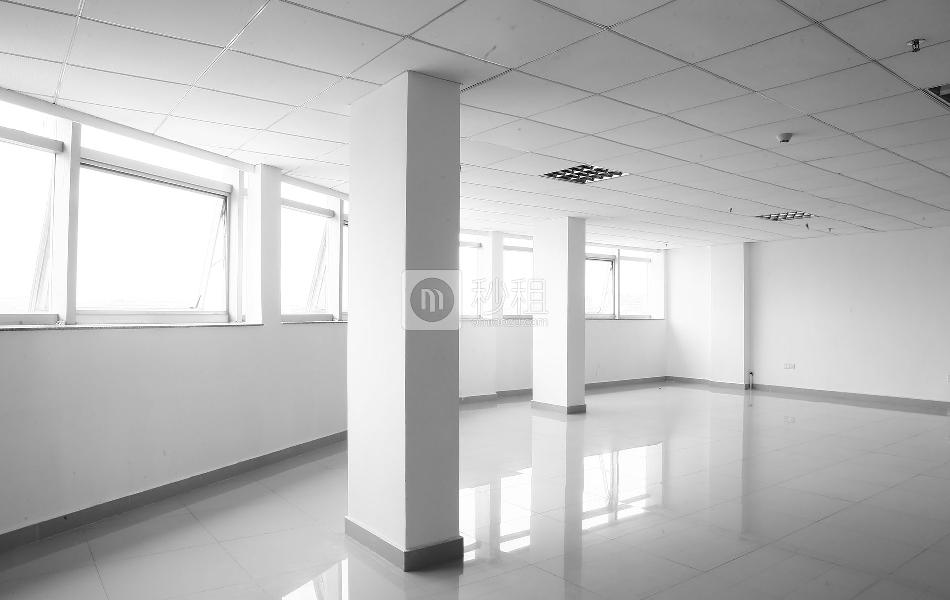 荣群大厦(龙华)写字楼出租200平米简装办公室65元/m².月