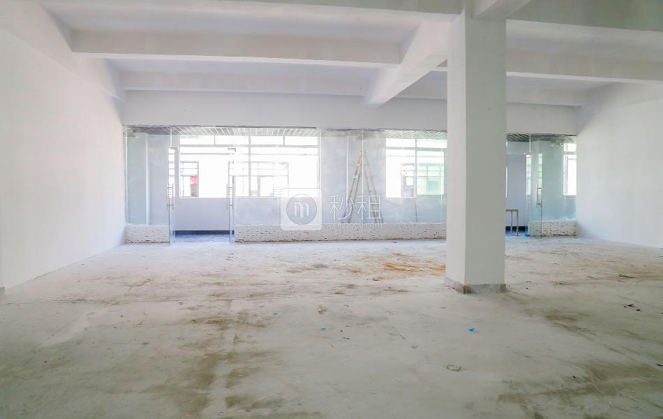 宝山创意园写字楼出租470平米毛坯办公室55元/m².月