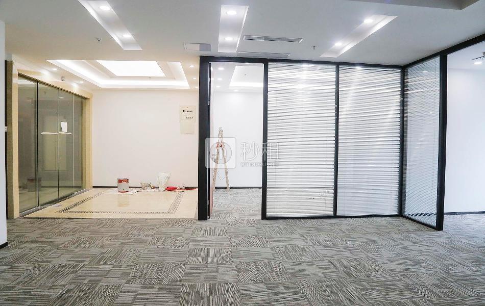 金润大厦写字楼出租173平米豪装办公室190元/m².月