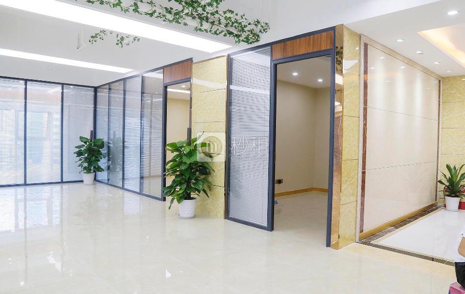 金润大厦写字楼出租285平米豪装办公室200元/m².月