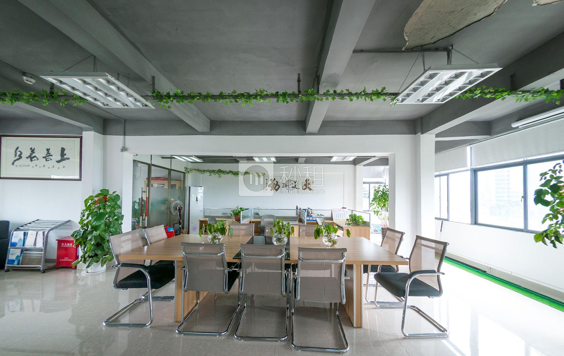 富奇创意大厦写字楼出租540平米简装办公室55元/m².月