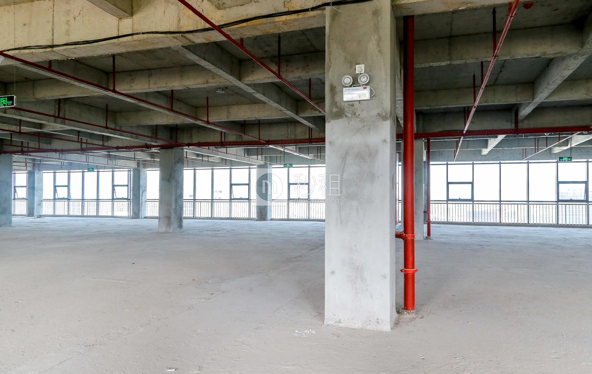爱特爱创意产业园写字楼出租145平米毛坯办公室46元/m².月