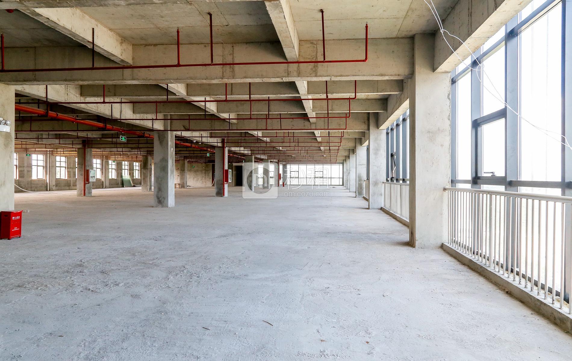 爱特爱创意产业园写字楼出租843平米毛坯办公室46元/m².月