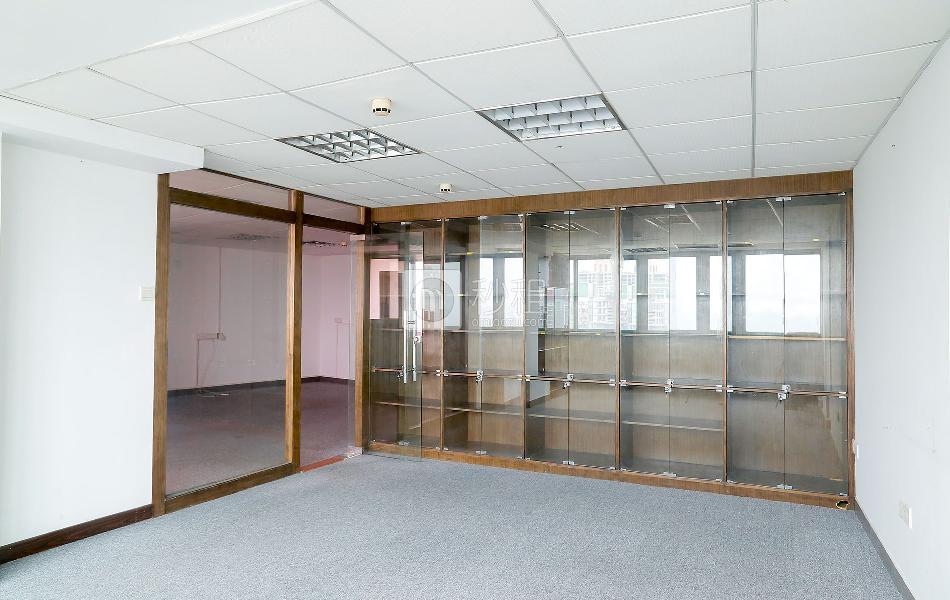 汇华商贸大厦写字楼出租377平米简装办公室95元/m².月