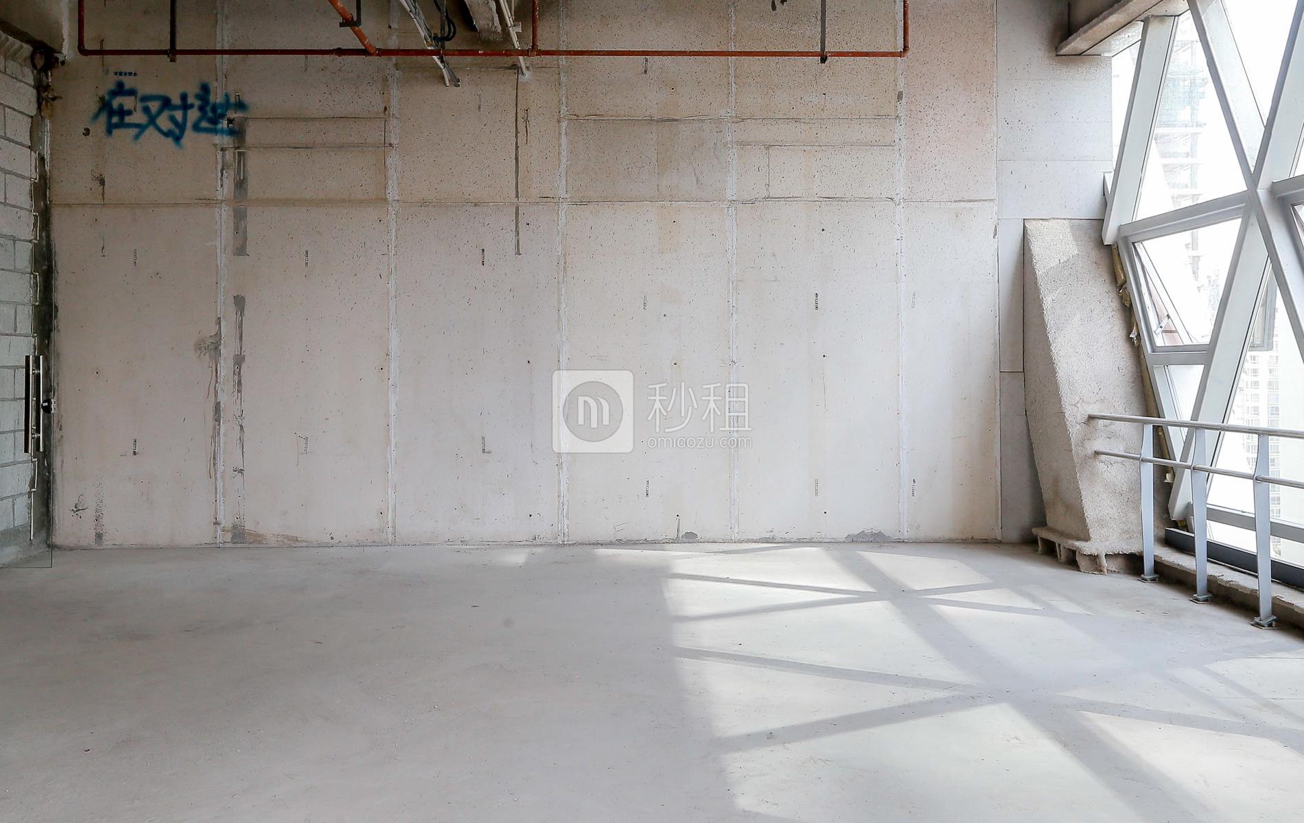 创业投资大厦写字楼出租229平米毛坯办公室135元/m².月