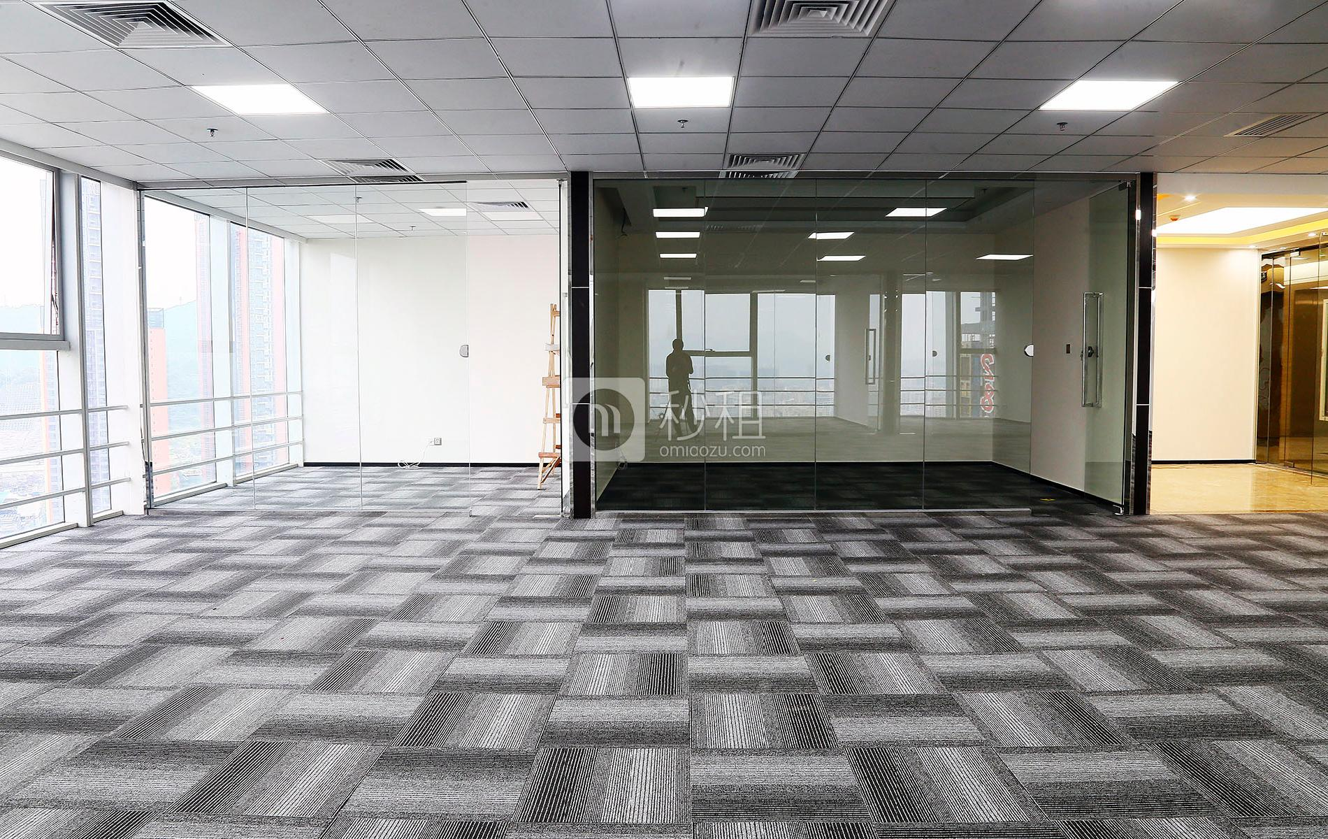 星河WORLD(一期)写字楼出租360平米精装办公室130元/m².月