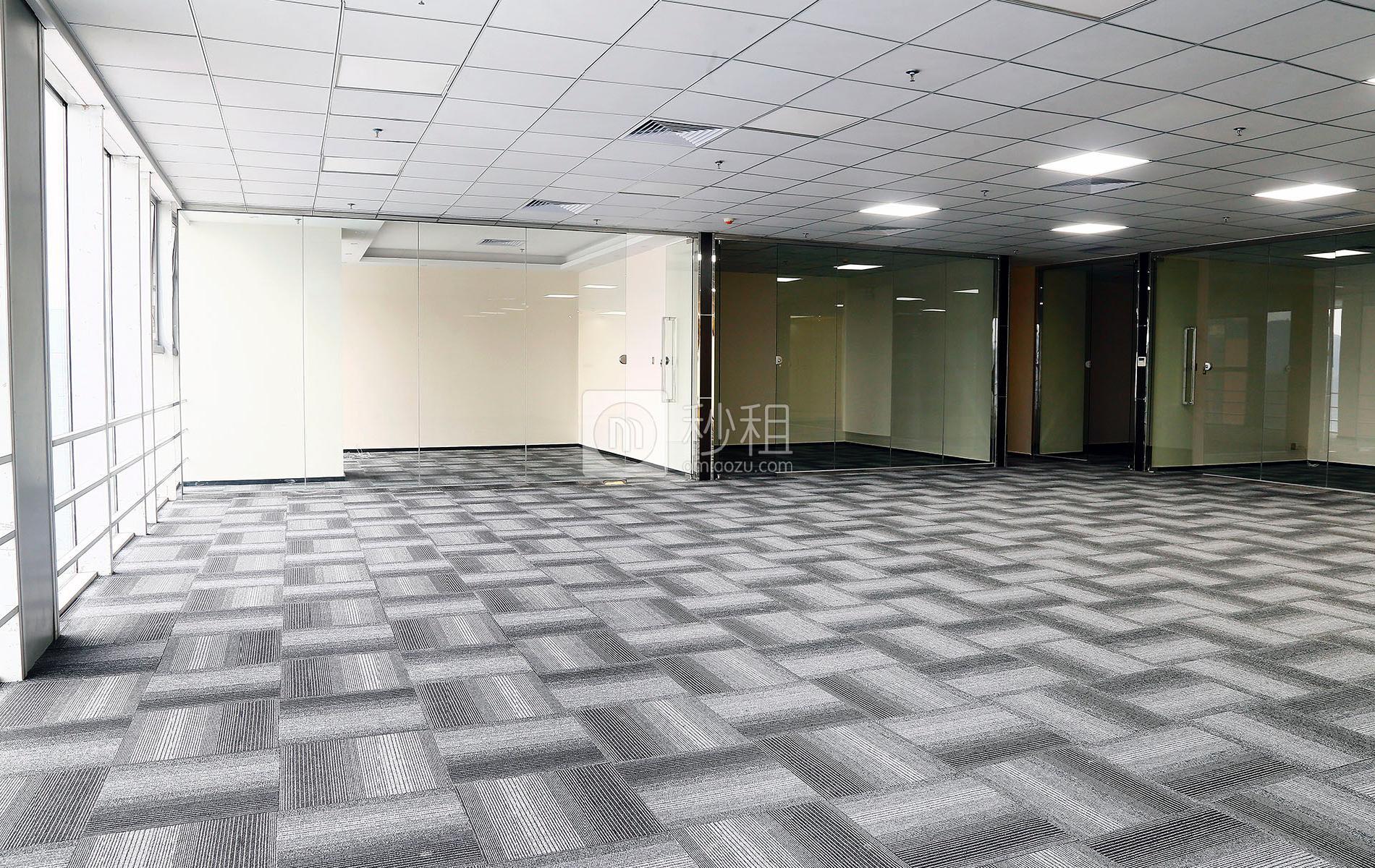 星河WORLD(一期)写字楼出租420平米精装办公室130元/m².月