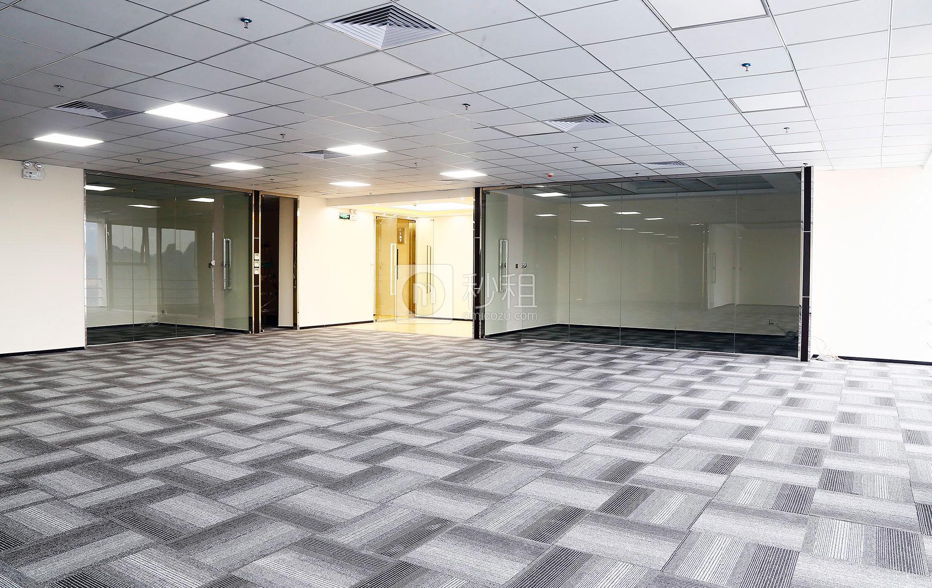 星河WORLD(一期)写字楼出租430平米精装办公室130元/m².月
