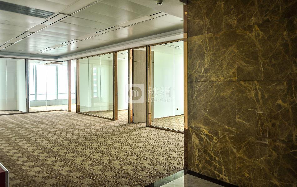 环球都会广场写字楼出租403平米豪装办公室155元/m².月