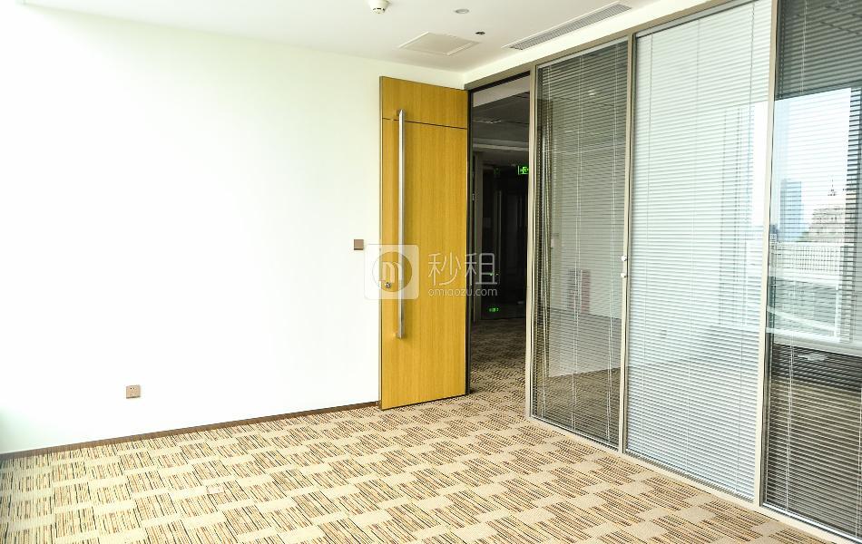 环球都会广场写字楼出租127平米毛坯办公室145元/m².月