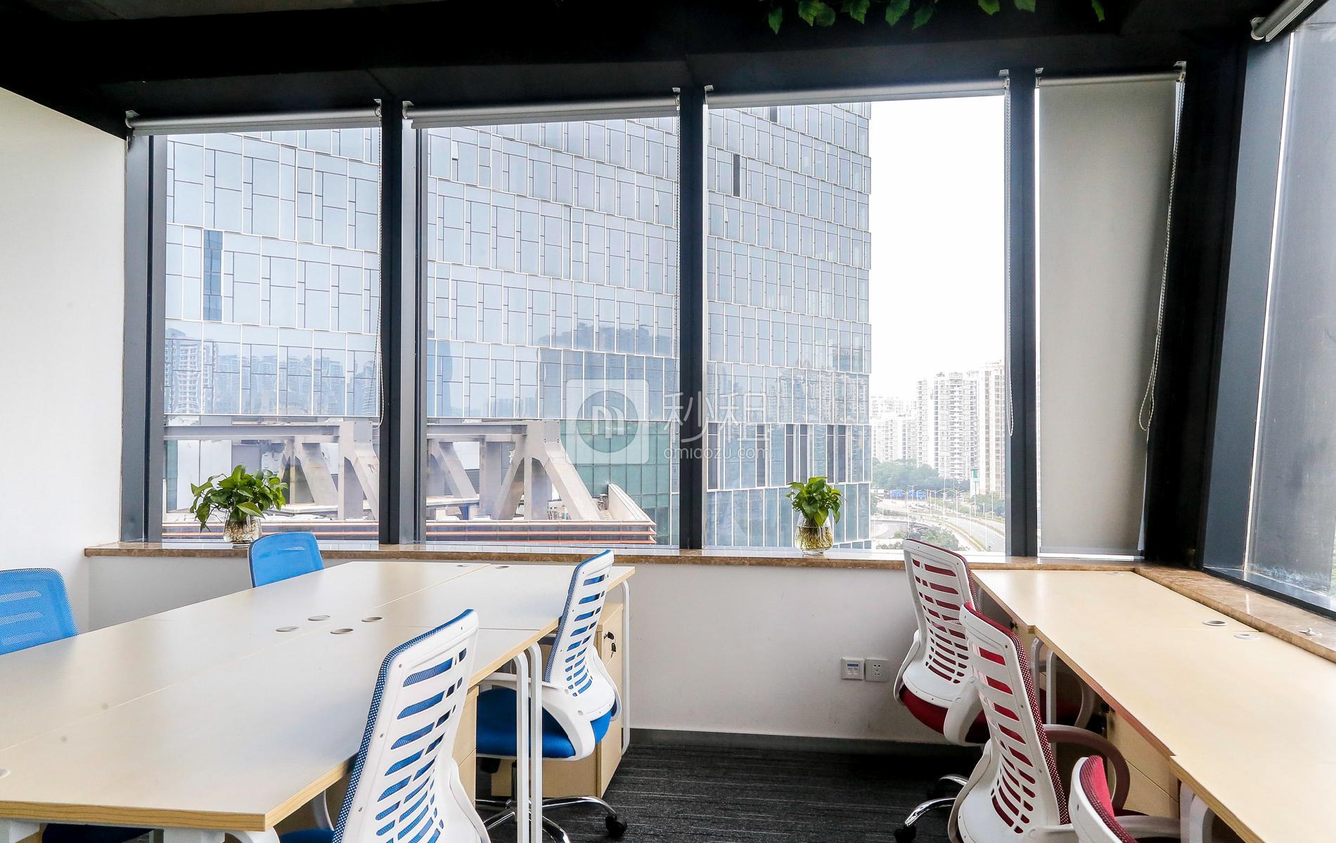 芒果网大厦-天诚商务中心写字楼出租45平米豪装办公室11320元/间.月