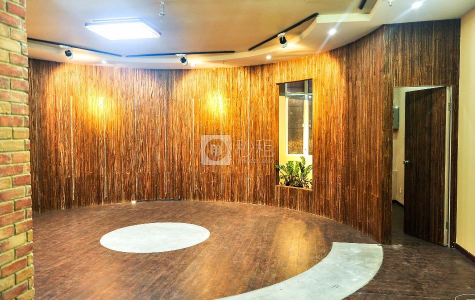 冠泓商务中心写字楼出租105平米简装办公室70元/m².月