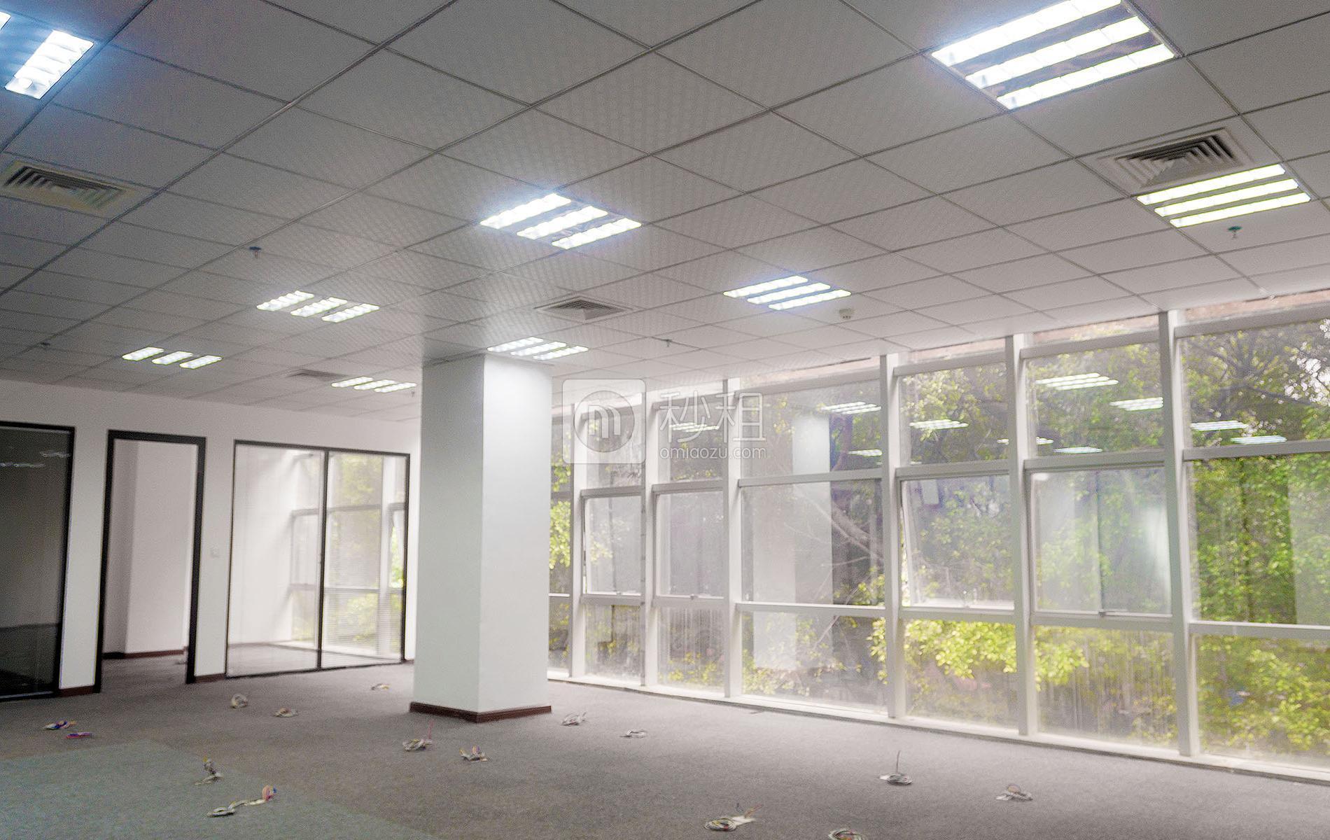 东方信息港写字楼出租318平米精装办公室88元/m².月