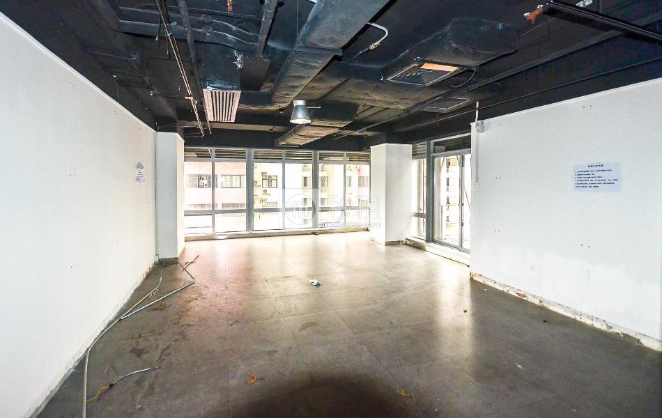 港汇大厦写字楼出租517平米简装办公室90元/m².月