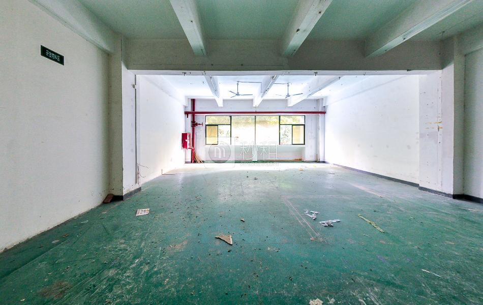 东联大厦写字楼出租270平米简装办公室70元/m².月