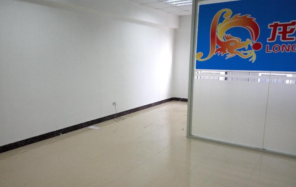 汇尚厦投资大厦写字楼出租53平米豪装办公室50元/m².月