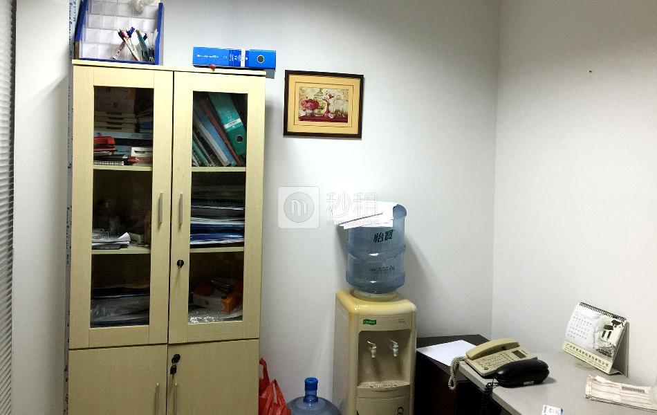 中华国际中心-创富港写字楼出租7平米简装办公室2280元/间.月